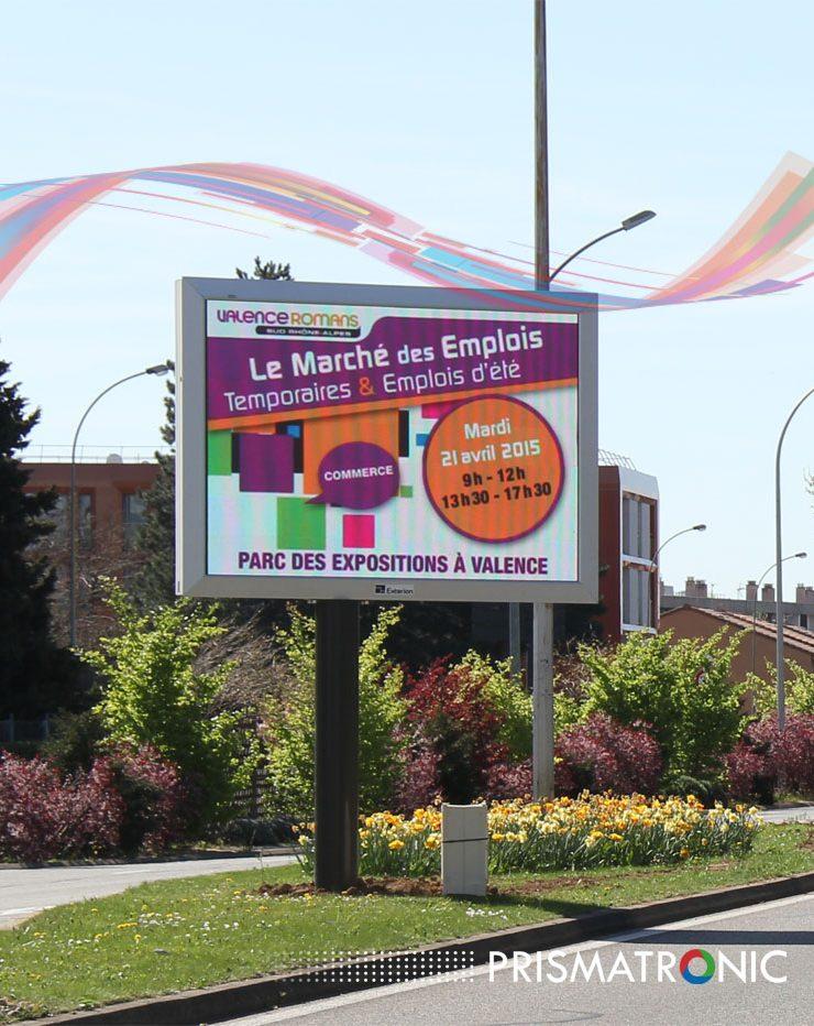 Images et photos des panneaux publicitaires led prismatronic for Panneau lumineux exterieur